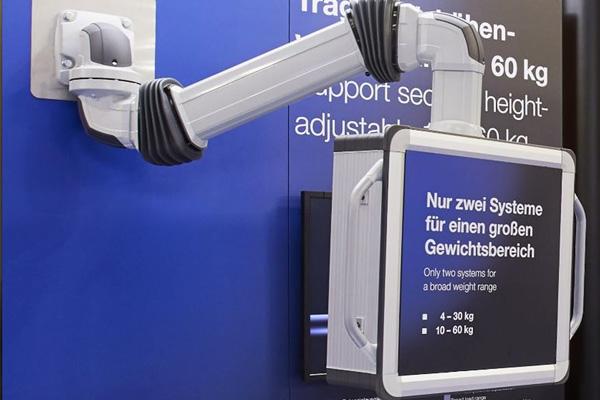 リタール、サポートアームシステム新機種 操作盤高さ上下300mm変更可能